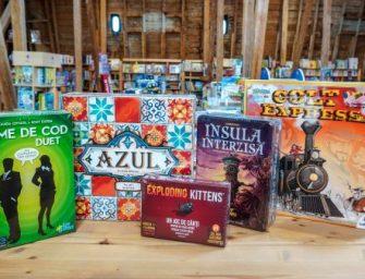 Cum petrecem timpul acasă? 20 de jocuri de societate pentru adulți potrivite pentru petreceri și seri distractive în familie