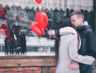 Cadouri de Valentine's Day pentru EA: idei prin care să-ți surprinzi iubita în cel mai frumos mod