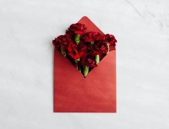 Cadouri de 8 martie pentru iubită: idei speciale prin care să-ți surprinzi partenera în cel mai frumos mod
