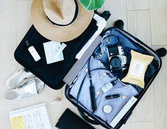Lista pentru bagajul de vacanță: lucruri de care ai nevoie când pleci la mare sau la munte