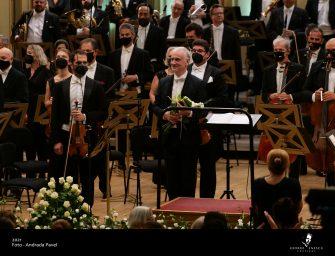 Interviu de Festival cu dirijorul grec Stefanos Tsialis