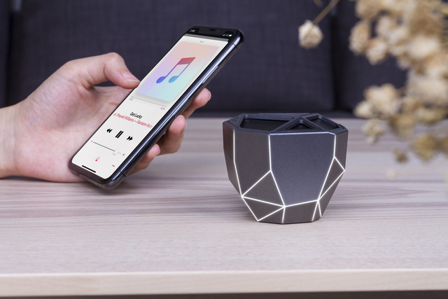 Boxa portabila - Geo Speaker (Negru-Alb) thumbnail