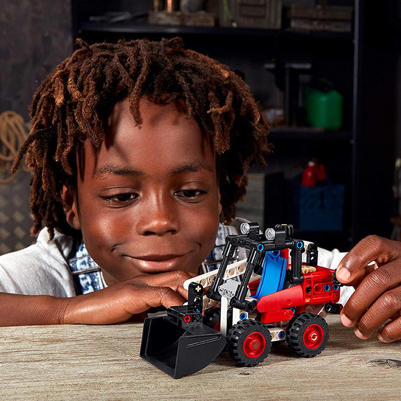 LEGO Technic - Skid Steer Loader (42116)   LEGO - 9