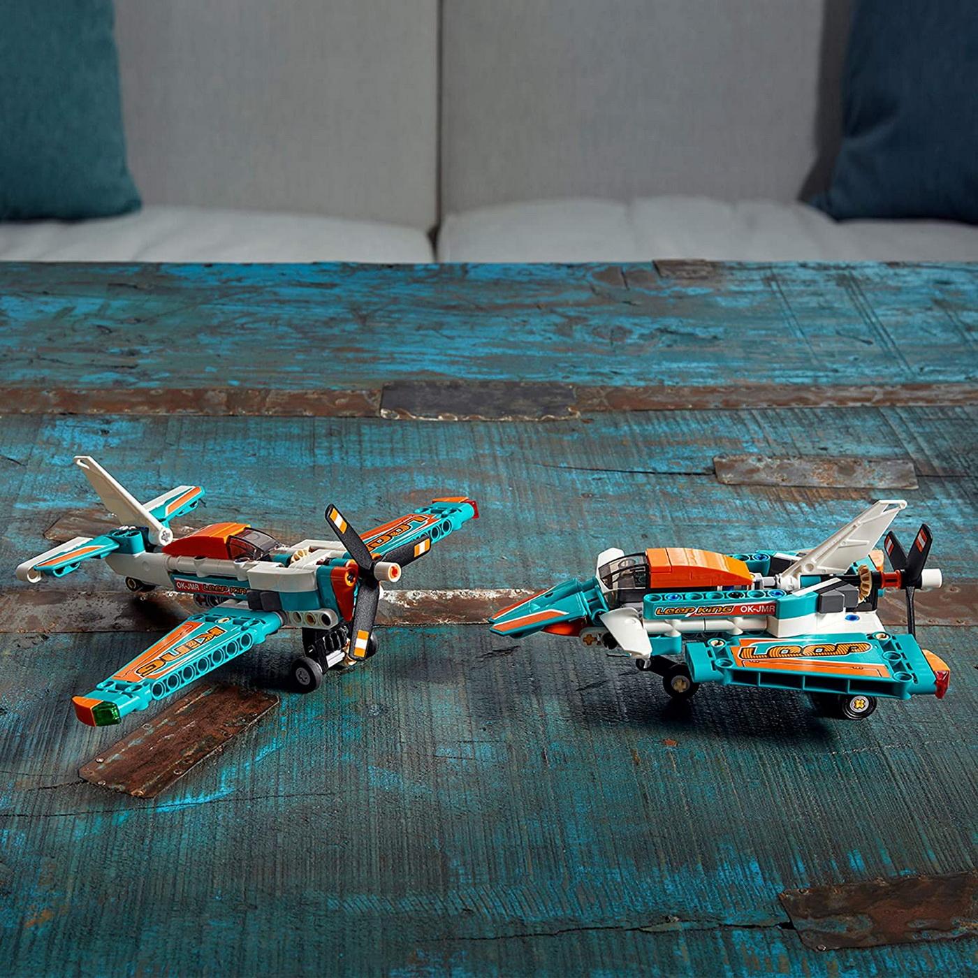 LEGO Technic - Race Plane (42117)   LEGO - 10