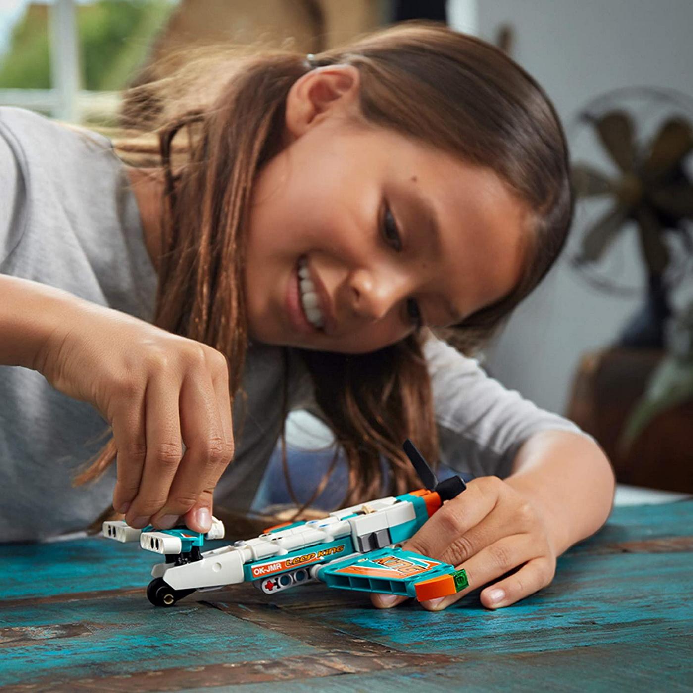 LEGO Technic - Race Plane (42117)   LEGO - 7